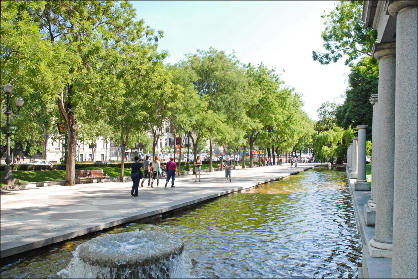 Paseo_de_Recoletos_(Madrid)_(4691303651).jpg