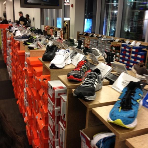 Dsw designer shoe warehouse island home centre retail Dsw designer shoe warehouse home office