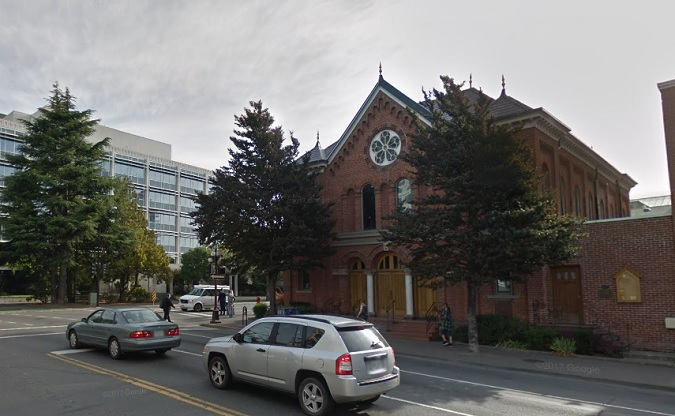 Temple_Emanu-El_Victoria_from_Google_Streetview.jpg