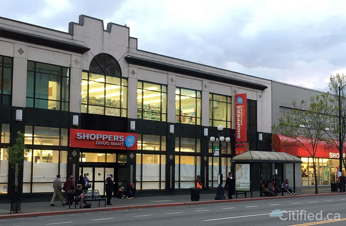 Shoppers-Drug-Mart's-opening-in-former-Chapters-space-set-for-early-May.jpg