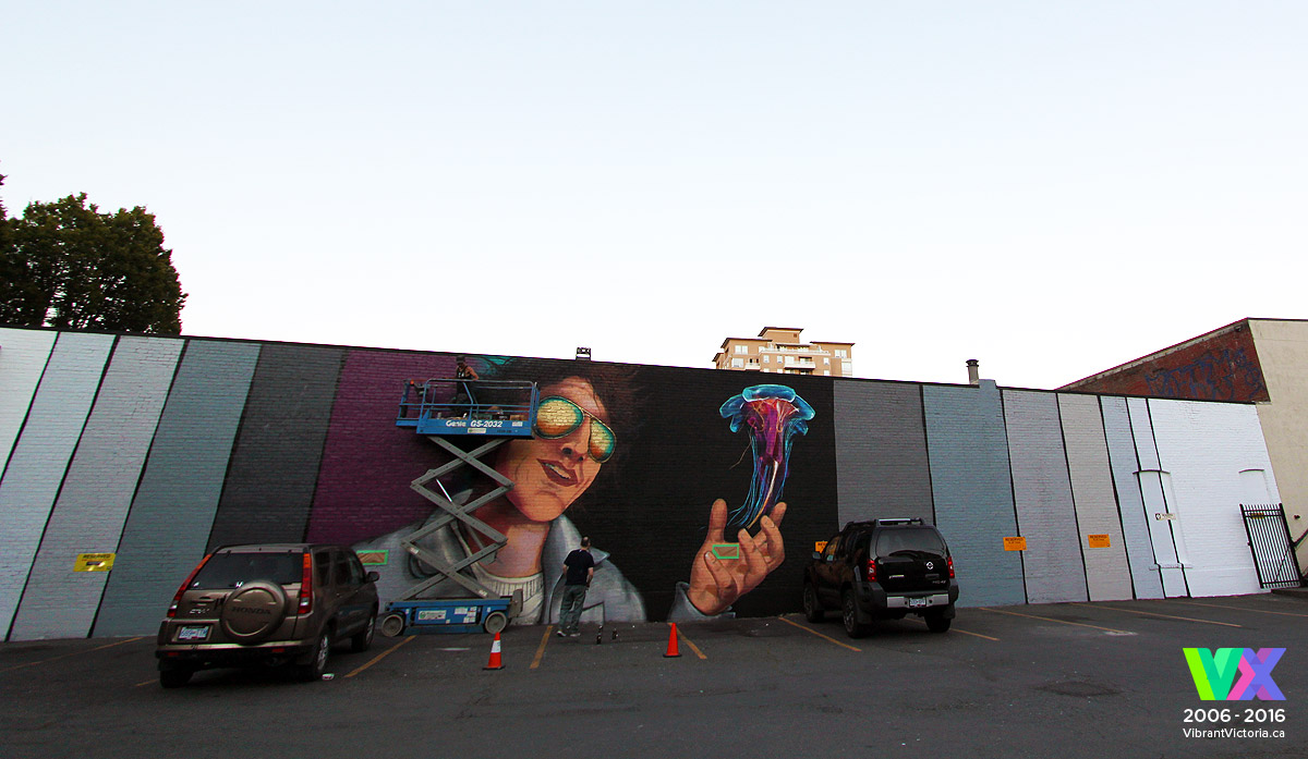 Daniel-Kingsbury-mural-jellyfish-project-ian-david-george-Victoria-BC-July-27-2016b.jpg