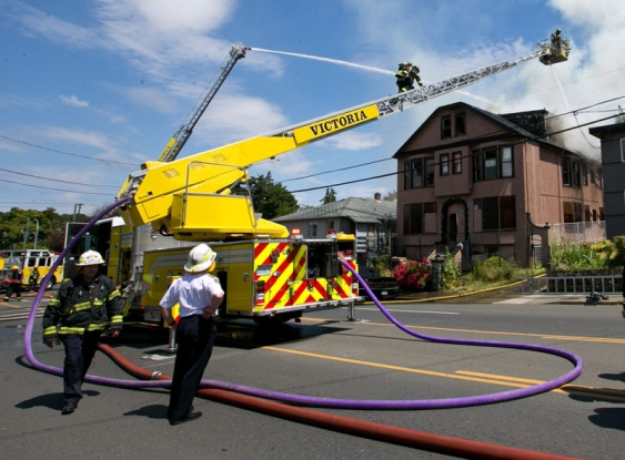 victoria-firefighters-battle-an-apartment-building-fire-on-cook-street-on-thursday-jun-12-2014.jpg